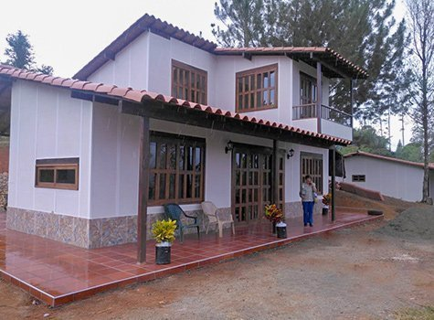 Cali Casa Colonial 120mts